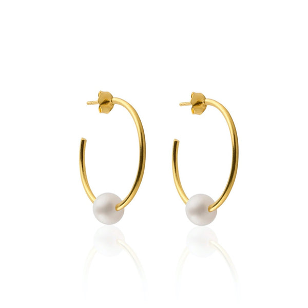 CLASSIC HOOPS WITH PEARLS