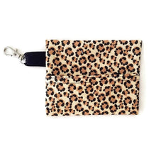 Load image into Gallery viewer, Face Mask Clean & Carry Pouch (various patterns) - Leopard