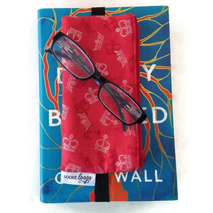 British novelty print pen pencil or glasses pouch on novel - front view with glasses