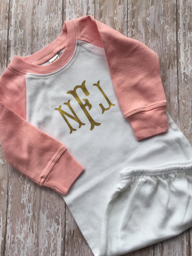Personalized Monogrammed newborn baby raglan gown - Buggy Boos Embroidery