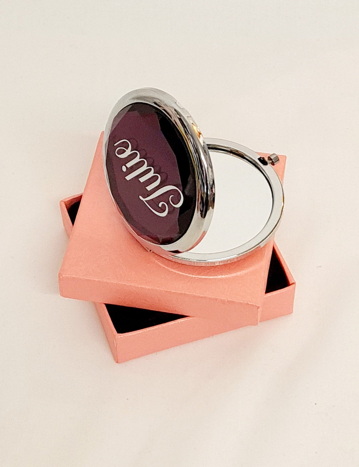 Compact beauty mirror with geometric design - BCV Personalised