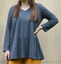 Load image into Gallery viewer, 3/4 Sleeve V-Neck Tunic - Curvy