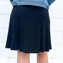 "Load image into Gallery viewer, Blk 23"" Short Flippy Skirt"