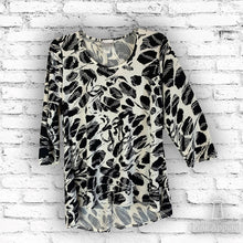 Load image into Gallery viewer, Essential Hi-Lo Tunic - Print (bundle)
