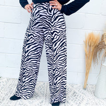 Load image into Gallery viewer, B/W Zebra Pant