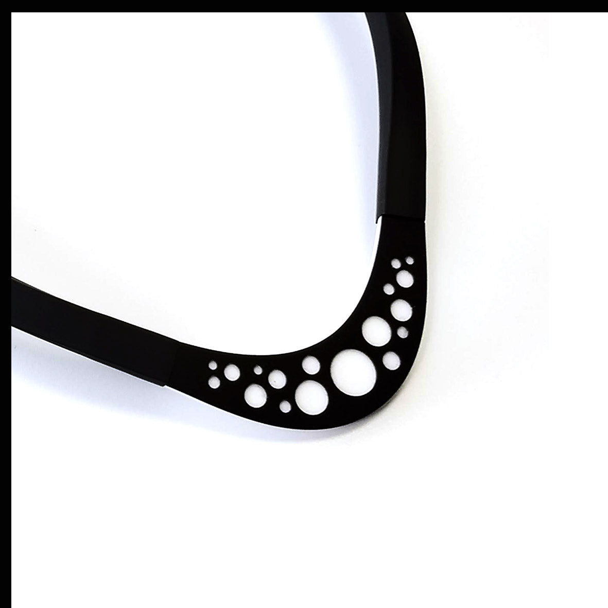 Doris choker Black and White