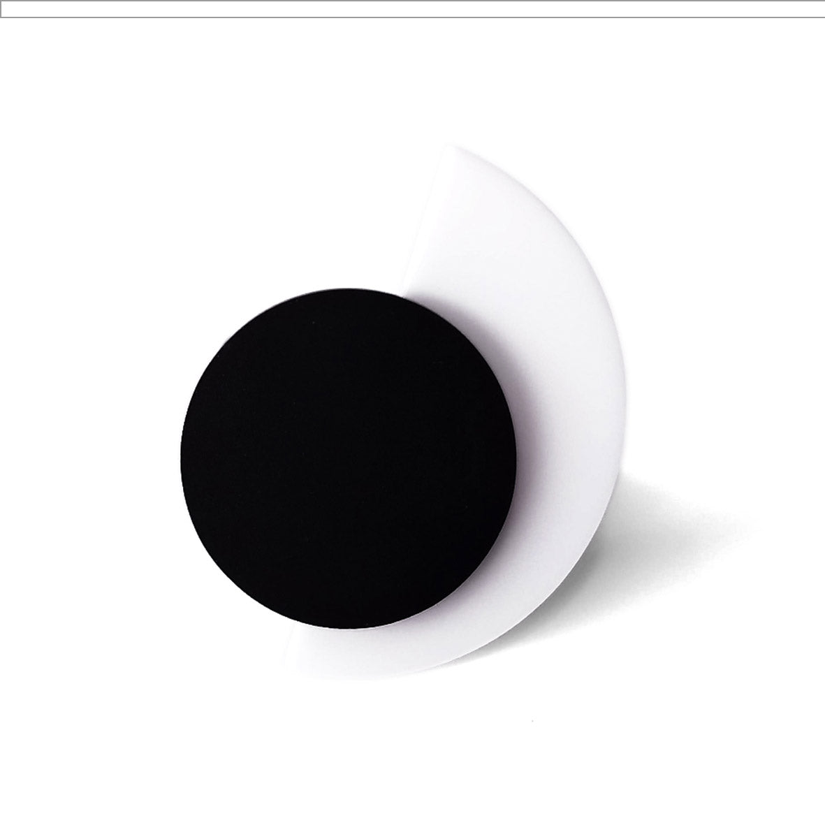 Suzan ring White and Black