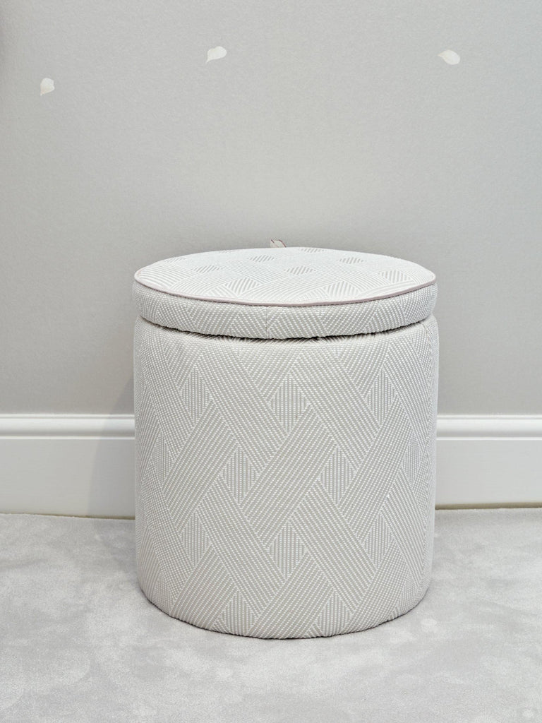 Piped Round Pouffe - Medium