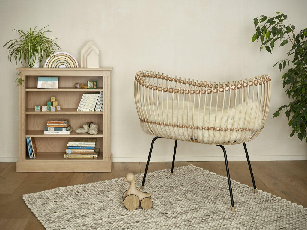 Willow crib bed for baby | Dragons of Walton Street