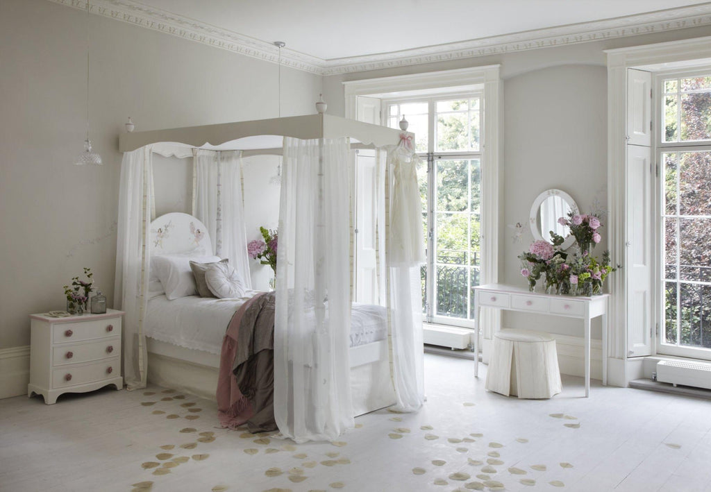 Single kids canopy bed with Flower Fairies paintings | Dragons of Walton Street