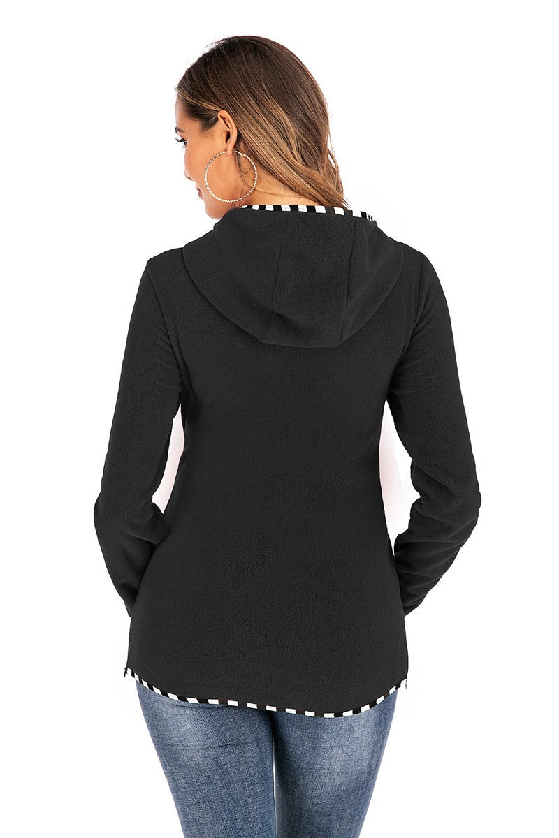 Multifunctional mother hoodie with baby pouch