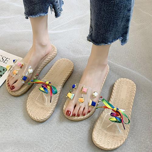 2020 Flat Women Sandals Shoes Candy Rivet Slippers Open Toe Transparent PVC Fashion crystal Summer Shoes Ladies Slippers Outside Beach slippers