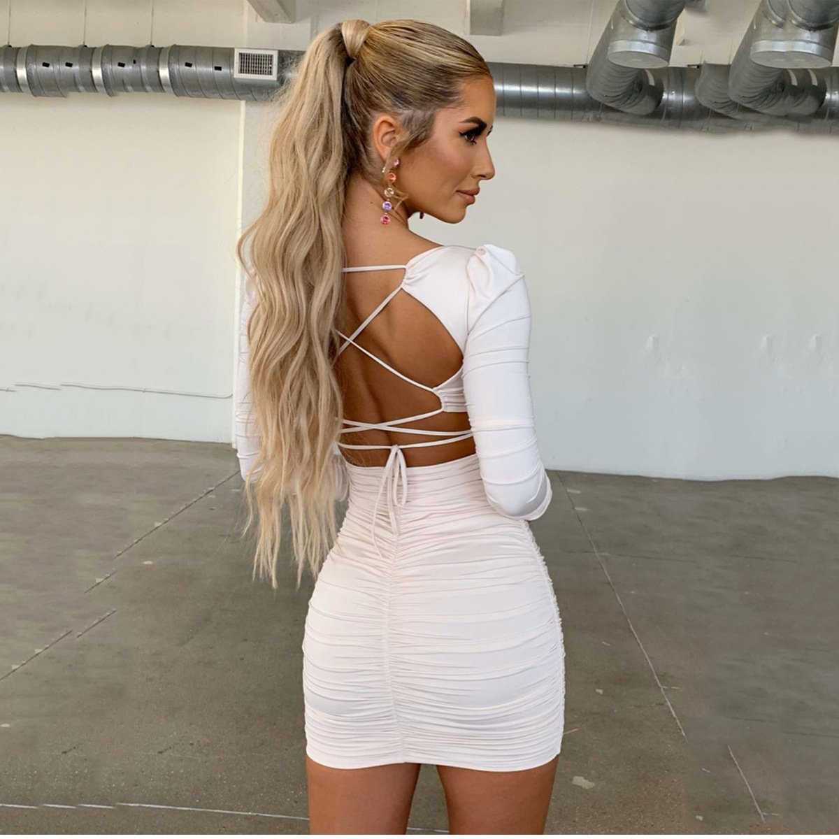 Backless lace-up short dress