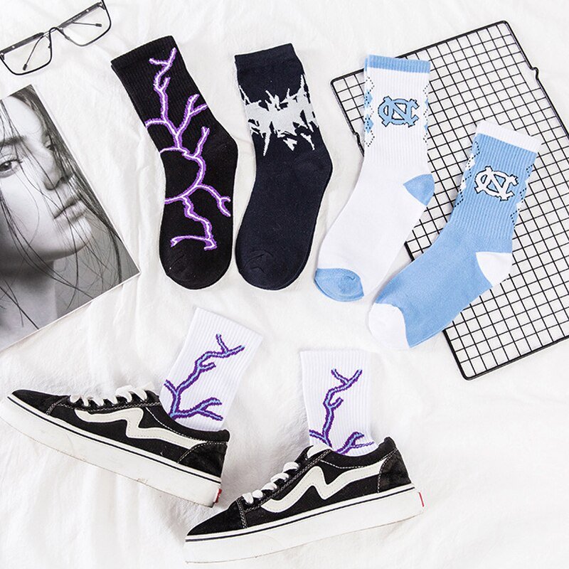 Fashion Streetwear Lightning Hip-hop Socks Novelty Couple Socks Cotton Women Harajuku Slouch Japanese Socks Black White Hot Sale