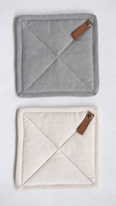 Cotton Pot Holder with Leather Loop (2 Colors)