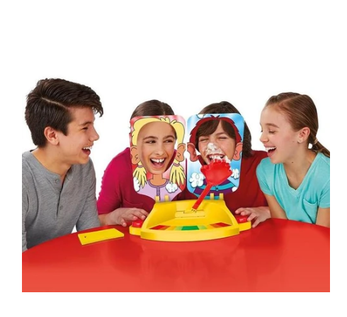 (FAMILY TIME) Pie Face Showdown Duel Game