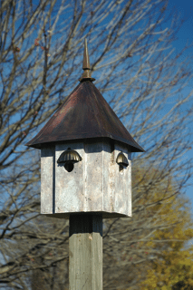 Heartwood Avian Meadows Bird House
