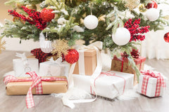 Match the wrapping papaer with the Christmas tree