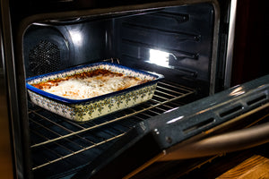 Deep Dish Lasagna Pan (Duet Blue Wreath)