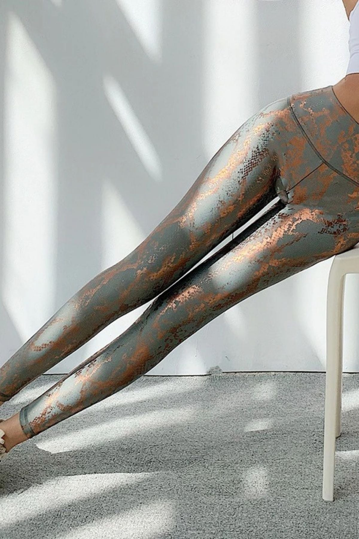 Women's Sexy Tight Snakeskin Print Legging With High Waisted Fit And Ruched Shiny Metallic Color