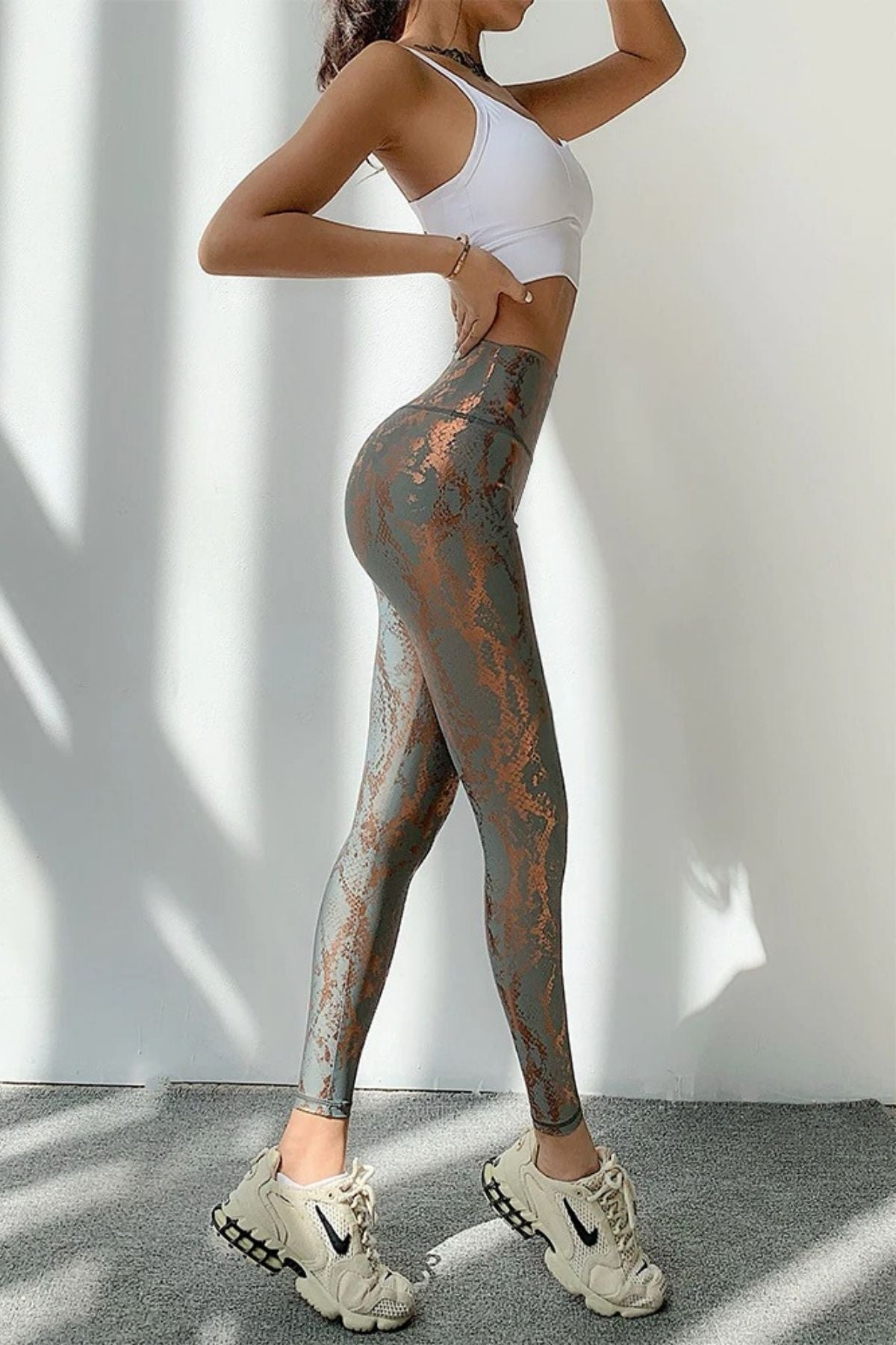 Women's Sexy Tight Grey Snakeskin Print Legging With High Waisted Fit And Ruched Shiny Color
