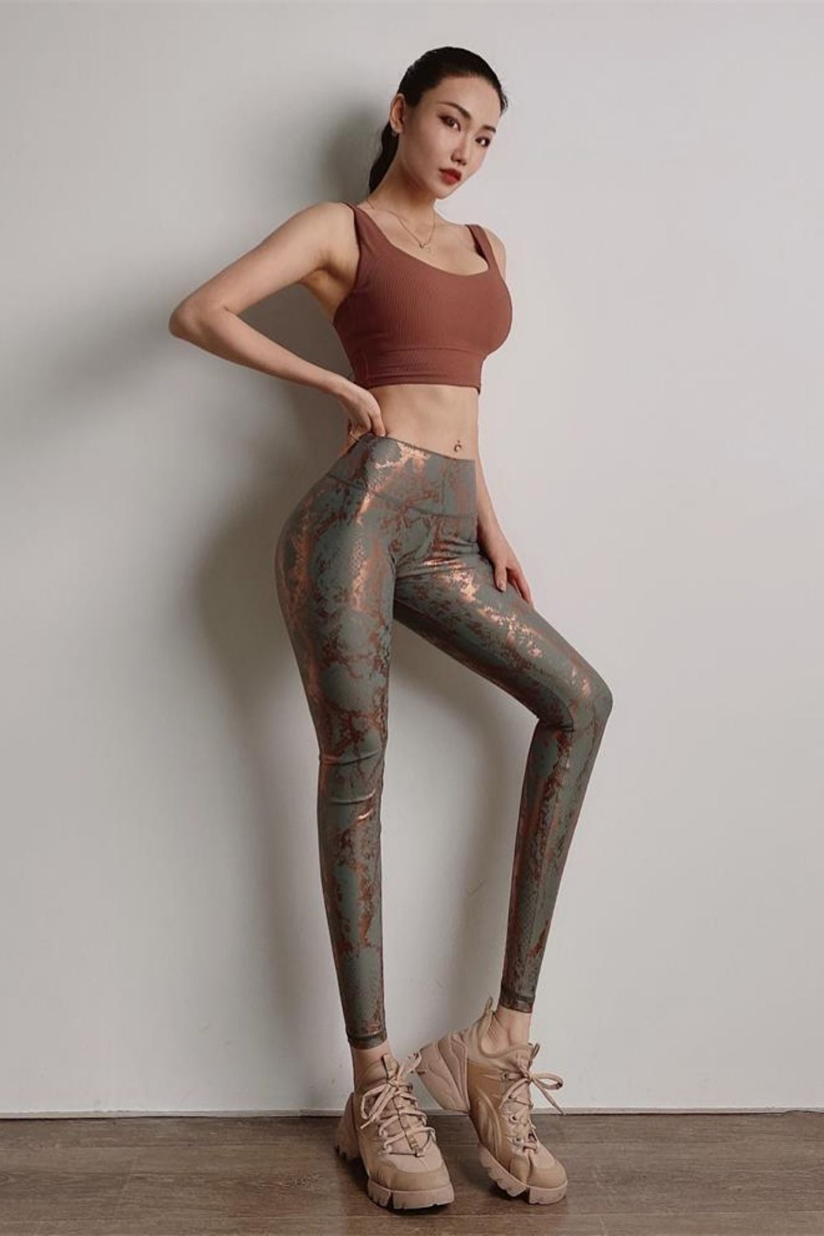 Women's Grey Snakeskin Print Legging With High Waisted Fit And Ruched Shiny Metallic Color