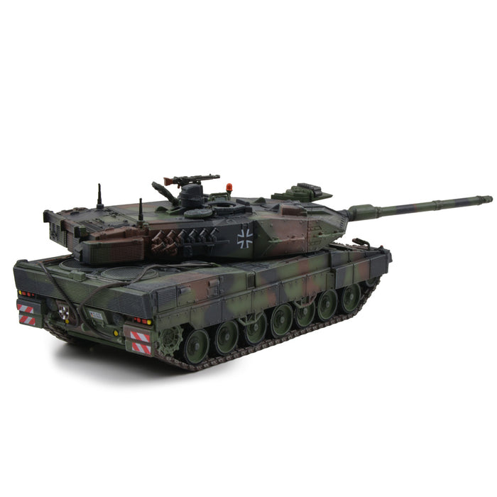 German Kampfpanzer Leopard 2A7 Main Battle Tank - Woodland Camouflage (1:72 Scale)