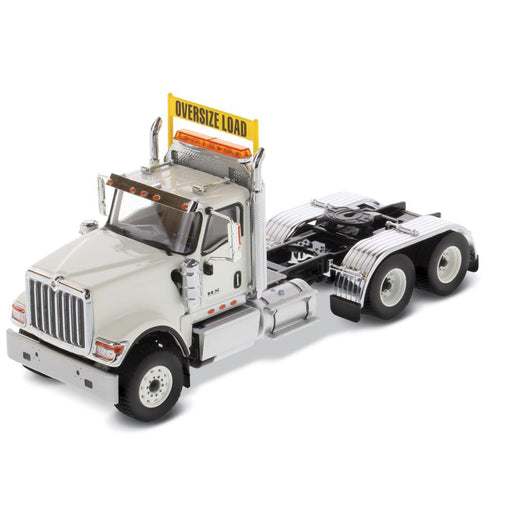 1:50 International HX520 Tandem Tractor   - White