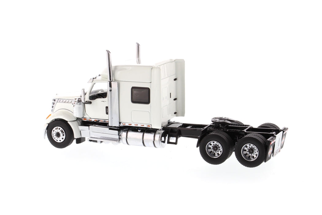 1:50 International LoneStar Sleeper   - With open doors and open hoods  - White
