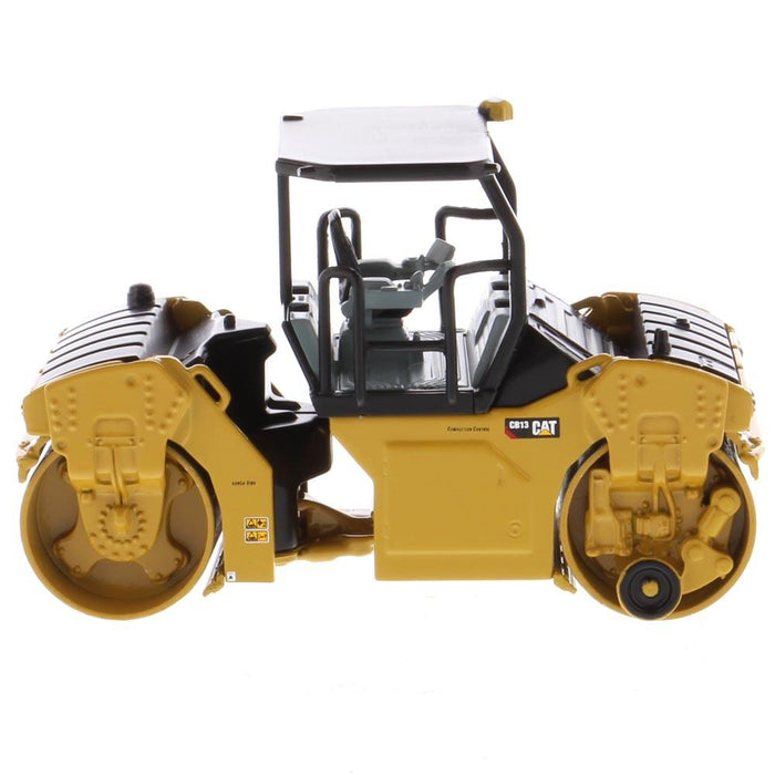 1:64 Cat® CB-13 Tandem Vibratory Roller with ROPS