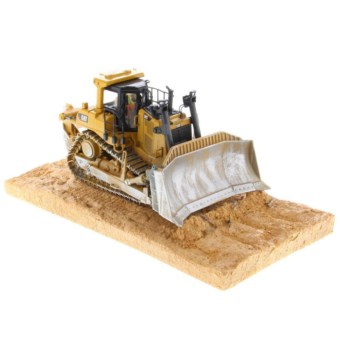 1:50 Cat® D9T Weathered Track-Type Tractor