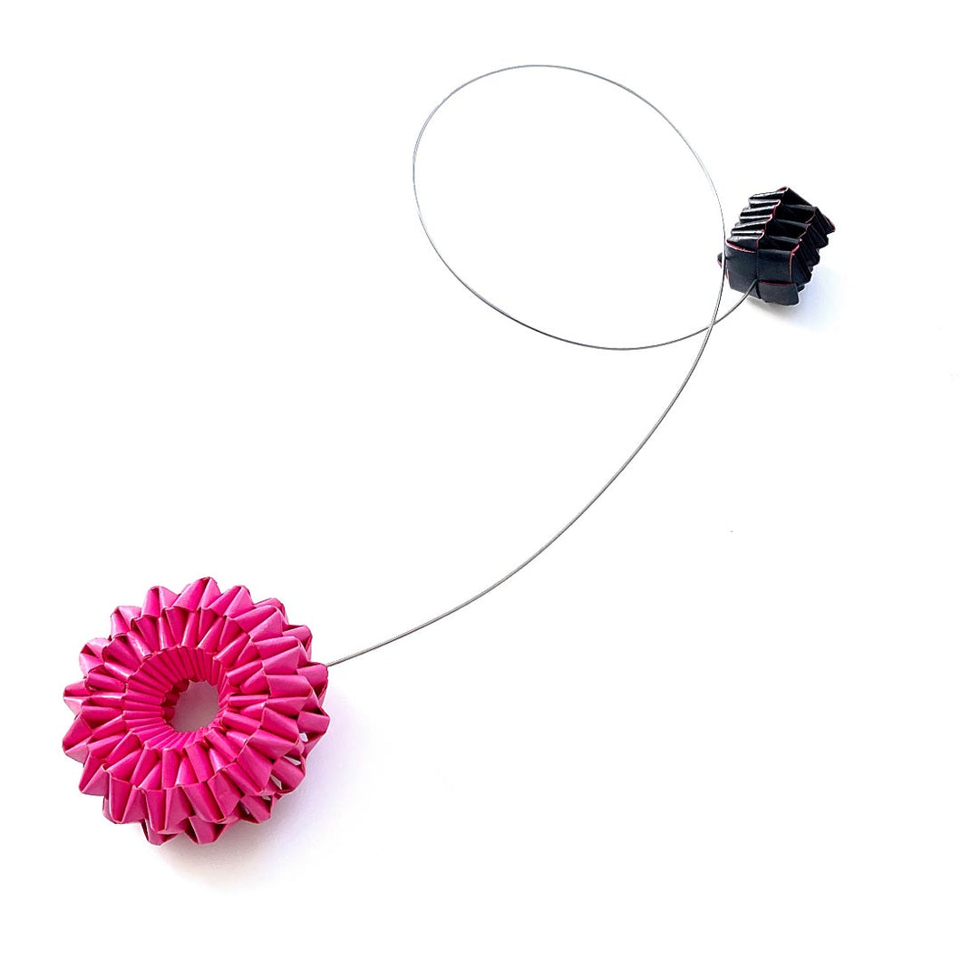 Virgola Necklace Pink And Black Edges