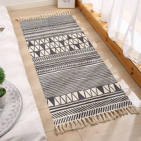 Decorative Moroccan Cotton Area Rug Hand Woven Rug Entryway Bedside Runner Thin Floor Mat Carpet with Tassel