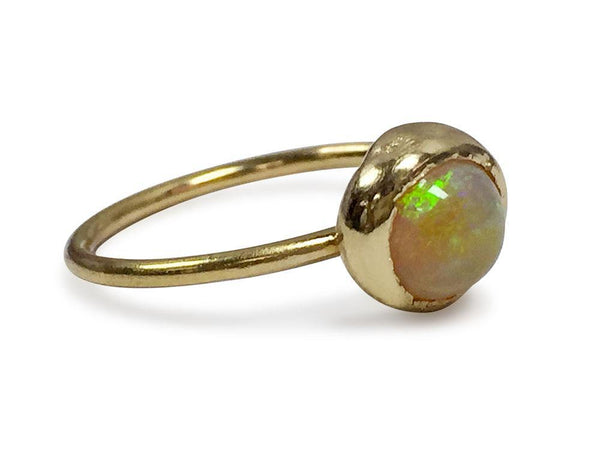 Hand Made Ethiopian Opal Cabochon Cut Ring 18K Yellow Gold