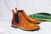 Load image into Gallery viewer, Vienna Chelsea boots
