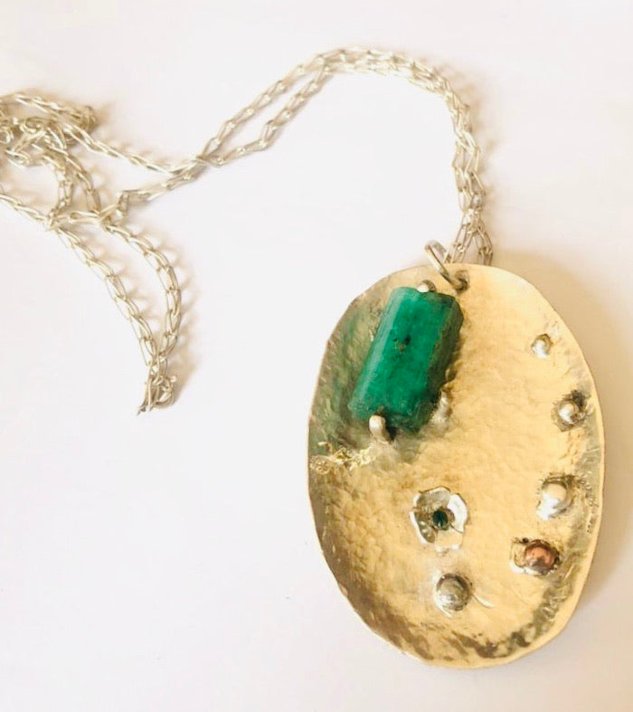 Emerald Unique necklace