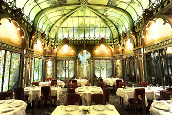 The dining room at the Fermette Marbeuf restaurant in Paris.
