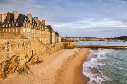 The beach just outside of the old town of Saint-Malo.