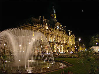 The square outside of town hall in Tours, France.