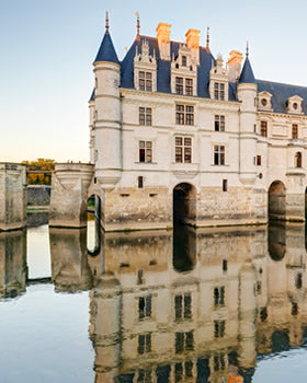 Visit two Loire castles with a Loire wine tasting from Paris.