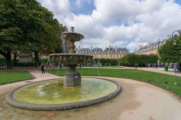 A fountain at the Place des Vosges.