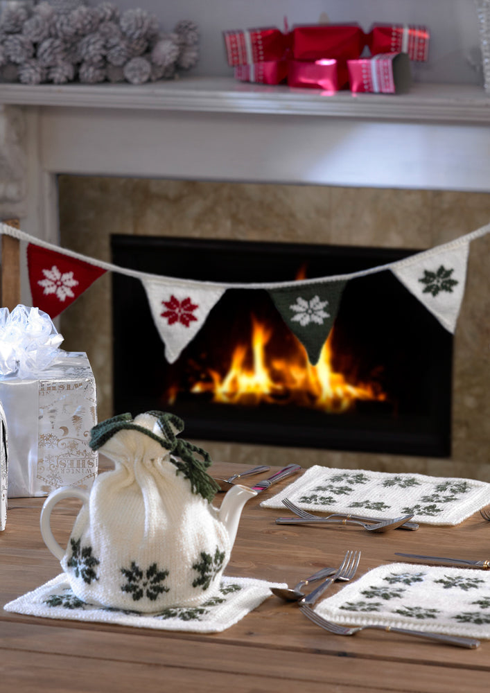 Stylecraft Pattern 9034: Christmas Tea Cosy, Table Mats and Bunting