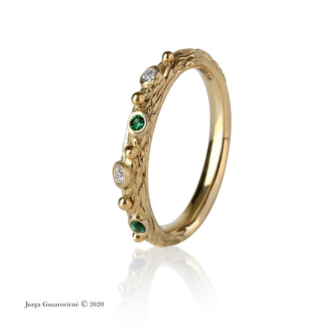 Ring Spring With Emeralds and Diamonds