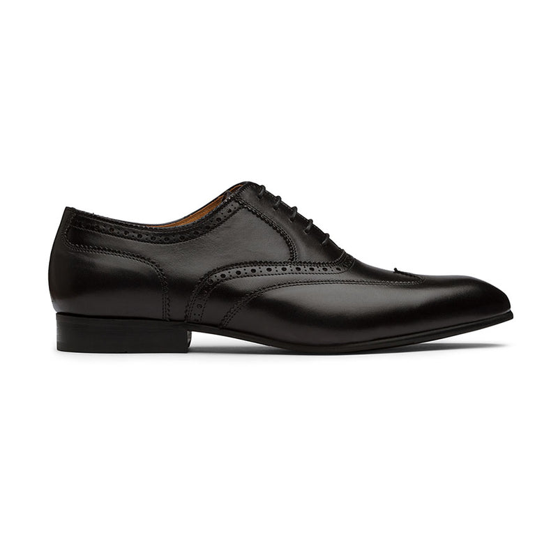 Black Detailed Wingtips