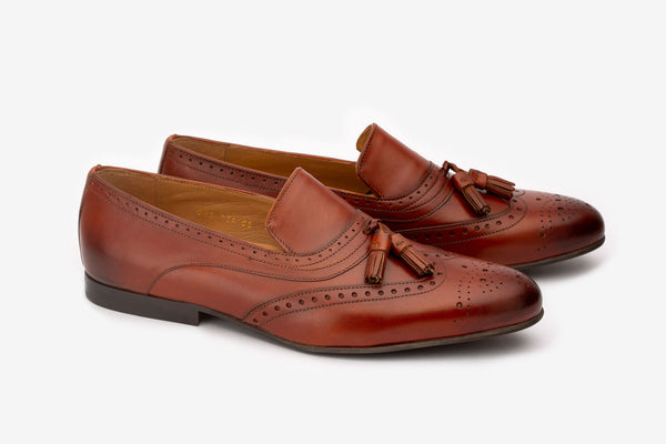 Brown Wing Tip Detailed Tassel Loafer