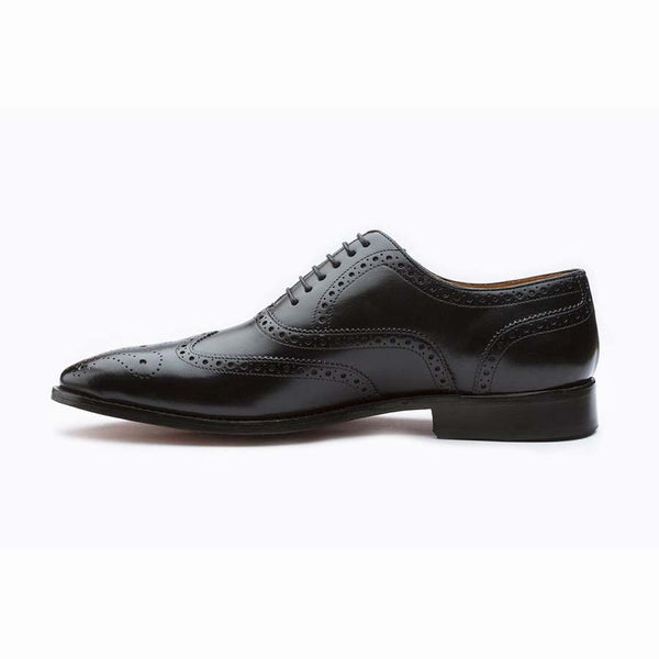 Black Sharp Wingtips