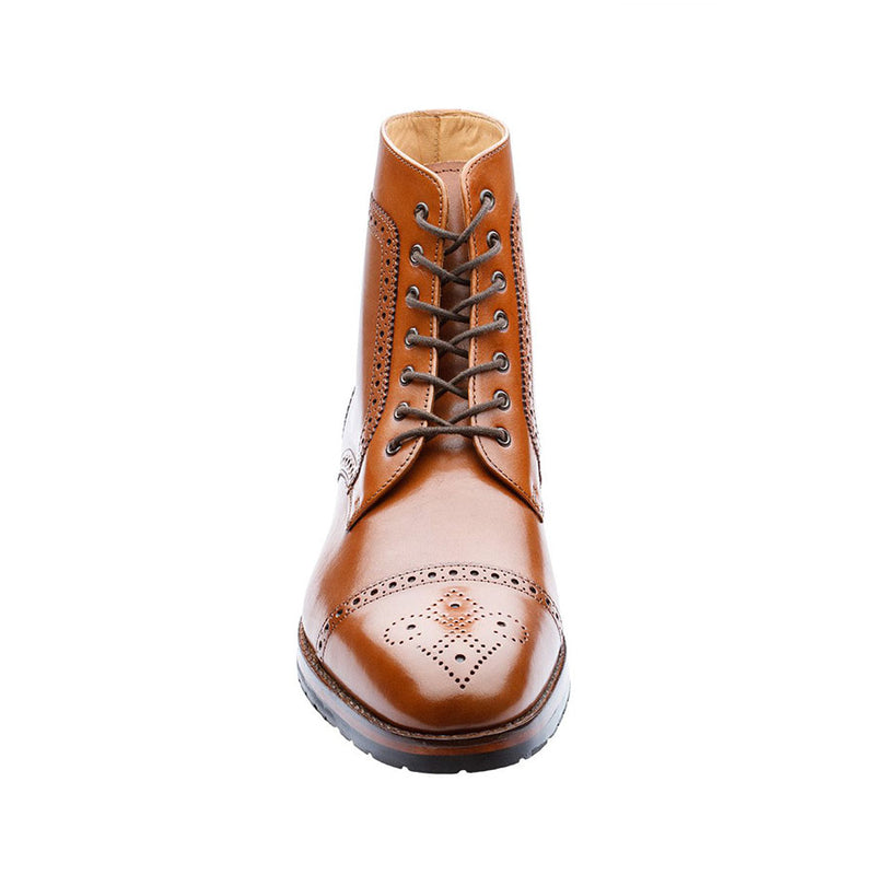 Tan Medallion Toe Round Boots