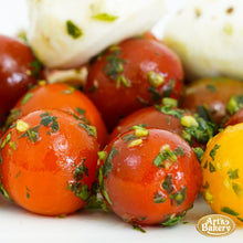 Load image into Gallery viewer, Arts Bakery Glendale Caprese Salad (Per Pound)
