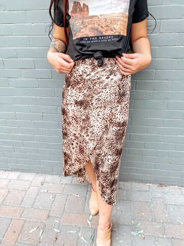 WALKING IN PURPOSE  SKIRT