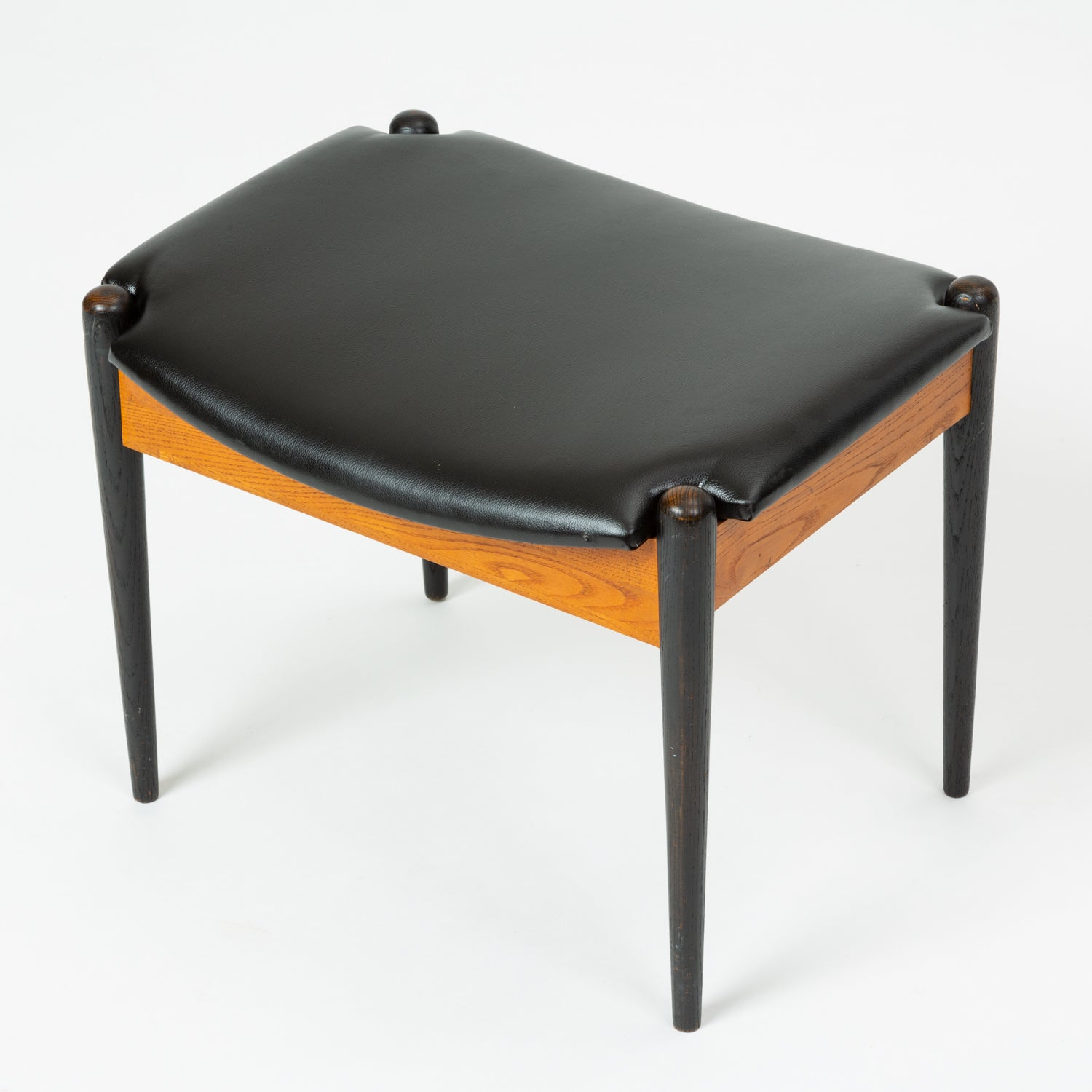 Arthur Umanoff Model 3007 Stool for Washington Woodcraft